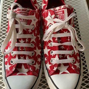 Red White Star Converse sz 9 (W) 7 (M)